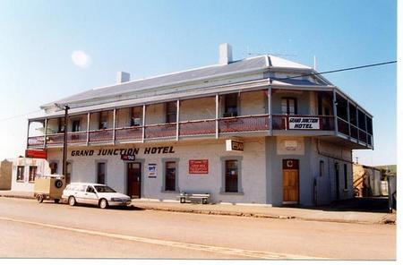 Grand Junction Hotel - South Australia Travel