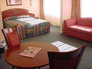 Embassy Motel - South Australia Travel