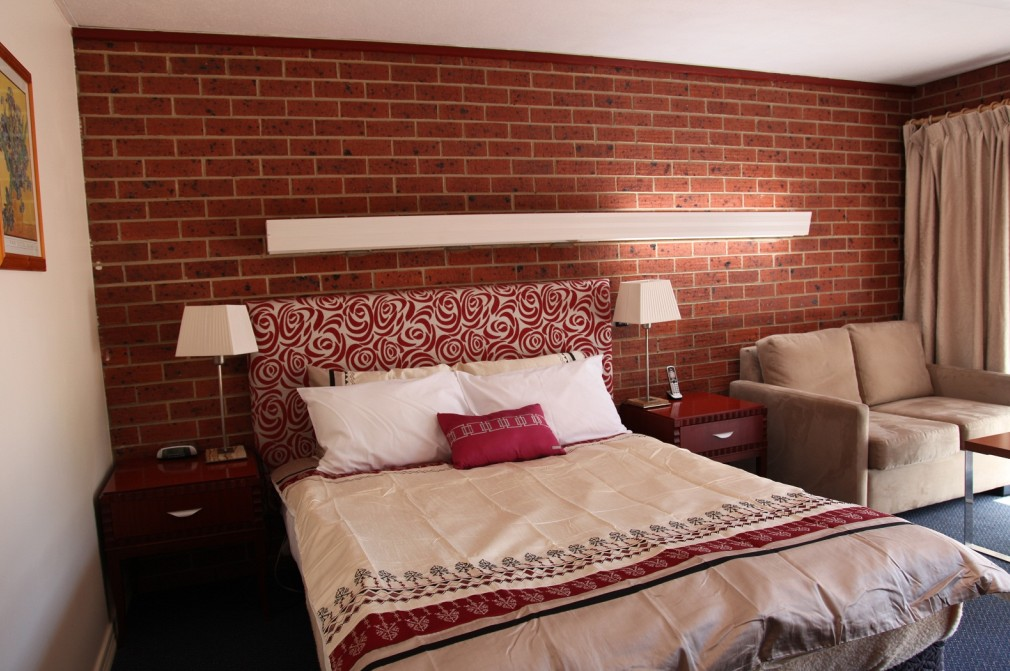 Carnegie Motor Inn and Serviced Apartments - South Australia Travel