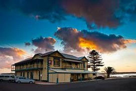 Arno Bay Hotel - South Australia Travel