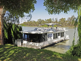 Moving Waters Self Contained Moored Houseboat - South Australia Travel