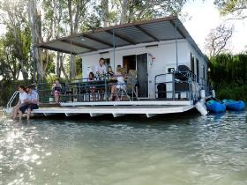 The Murray Dream Self Contained Moored Houseboat - South Australia Travel