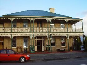 Richmond Arms Hotel - The - South Australia Travel