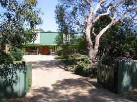Pelican Bay Bed and Breakfast - South Australia Travel