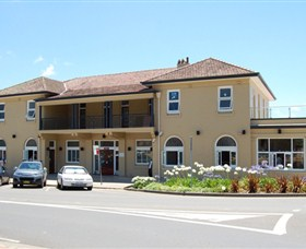 The Huskisson on Jervis Bay - South Australia Travel