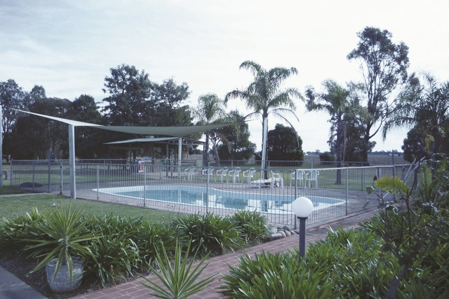 Aaroona Holiday Resort - South Australia Travel