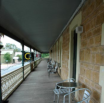 Hotel Mannum - South Australia Travel