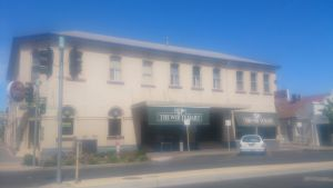 White Hart Hotel - South Australia Travel