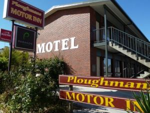 Ploughmans Motor Inn - South Australia Travel
