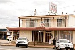 Town House Motor Inn - South Australia Travel