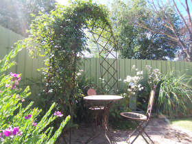 Robyn's Nest Country Cottages - South Australia Travel