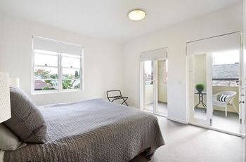 Albert Road Serviced Apartments - South Australia Travel