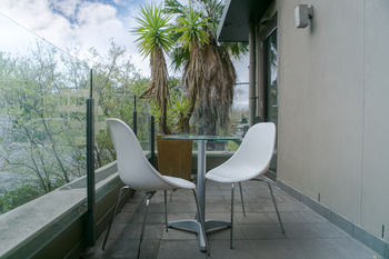 Comfy Kew Apartments - South Australia Travel