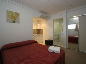 Southern Cross Motel and Serviced Apartments - South Australia Travel