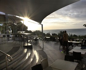 Stradbroke Island Beach Hotel Spa Resort - South Australia Travel