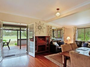 Woollamia Farm Cottage Accommodation - South Australia Travel