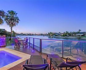 Kurrawa Cove at Vogue Holiday Homes - South Australia Travel