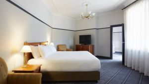 Brassey Hotel - South Australia Travel