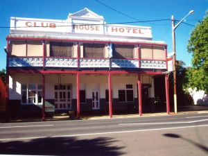 Club House Hotel - South Australia Travel