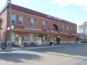 Binalong Hotel - South Australia Travel