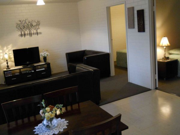 BJs Short Stay Apartments - South Australia Travel