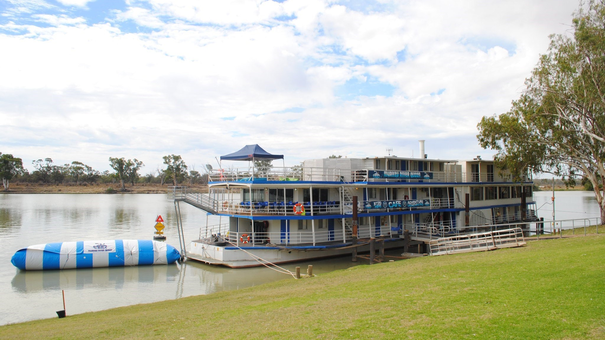 Murray River Queen Backpackers - South Australia Travel