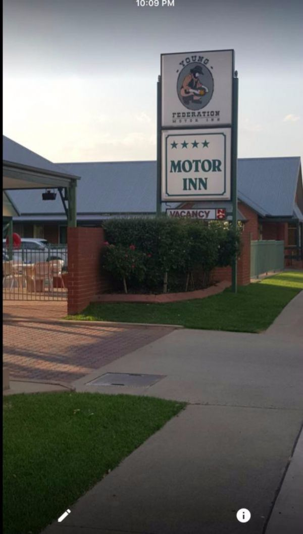 Federation Motor Inn Young - South Australia Travel