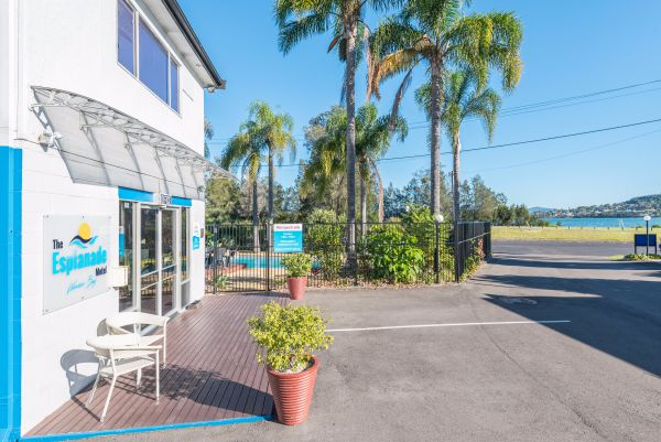 The Esplanade Motel - South Australia Travel