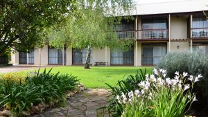Coonawarra Motor Lodge - South Australia Travel