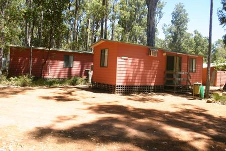 Dwellingup Chalets And Caravan Park - South Australia Travel