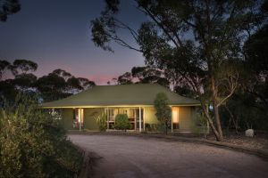 Riverbush Cottages - South Australia Travel
