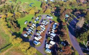 Lake Colac Caravan Park - South Australia Travel