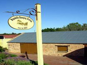 Reynella Horse Changing Station - South Australia Travel