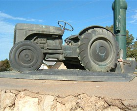 Ferguson Tractor Monument - South Australia Travel