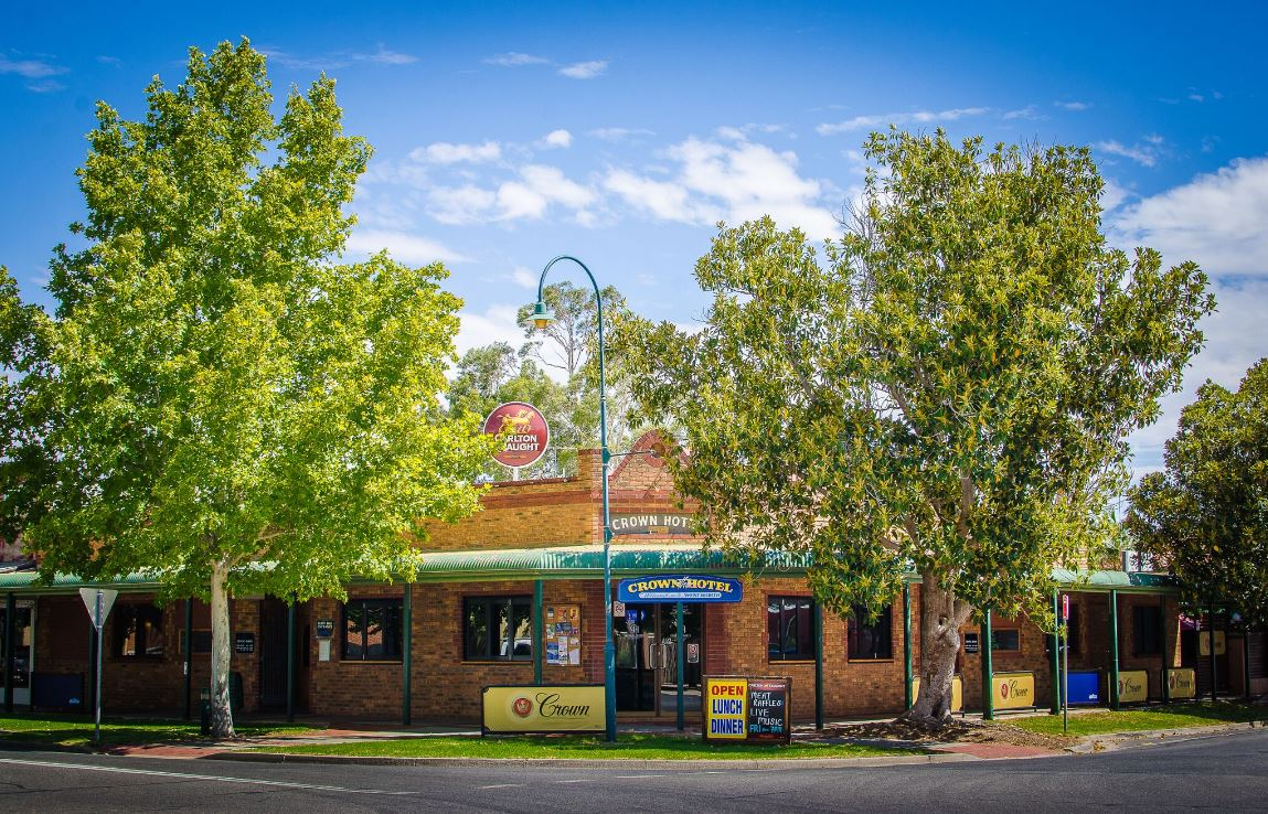 Crown Hotel Wentworth - South Australia Travel