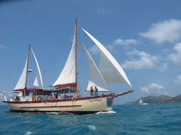 Adventure Cruise Dive and Outer Reef - Whitsundays Sailing Adventures - South Australia Travel