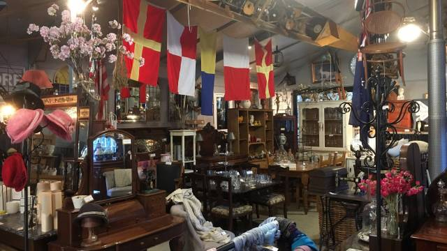 Village Emporium and Antiques Bungendore - South Australia Travel