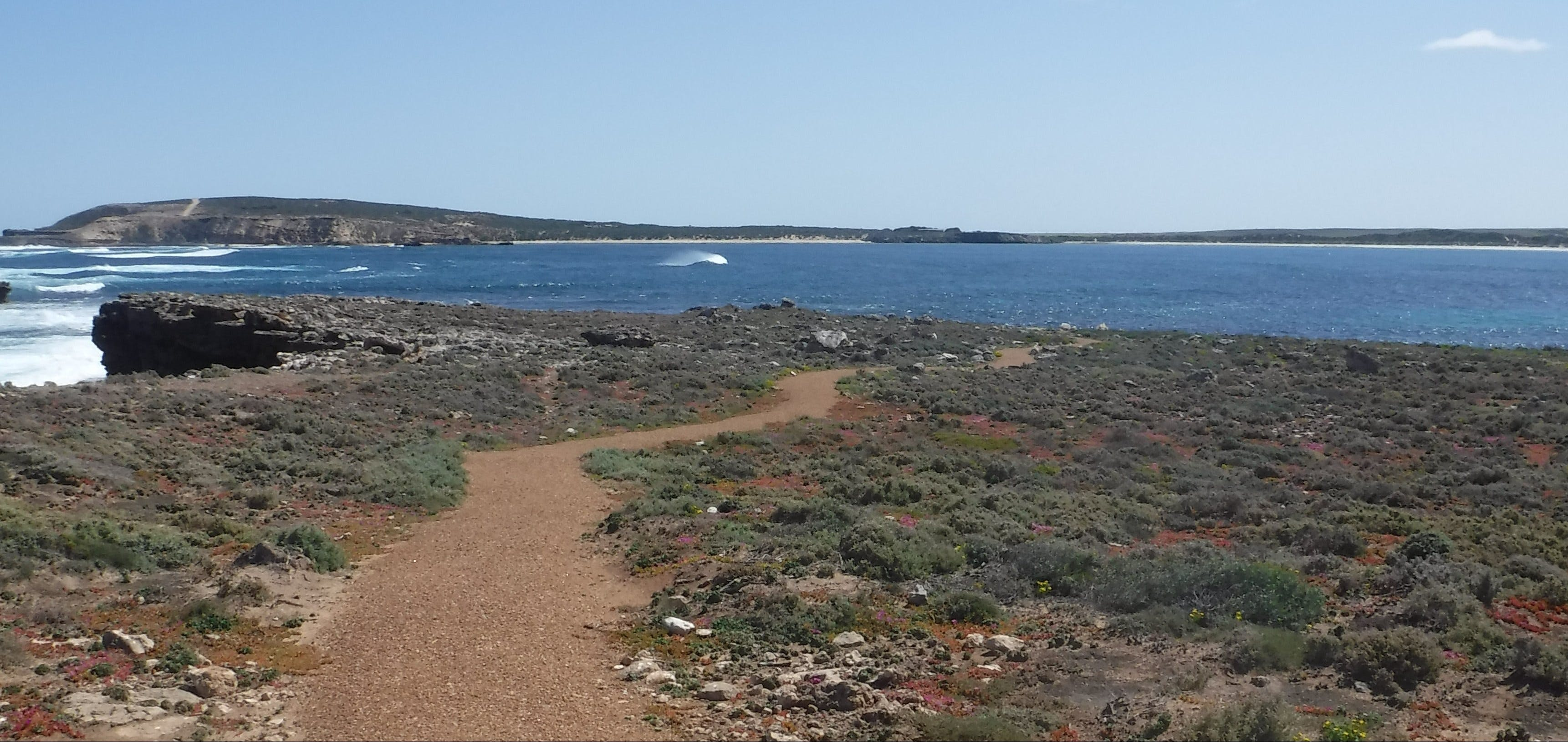 Elliston Coastal Trail - South Australia Travel