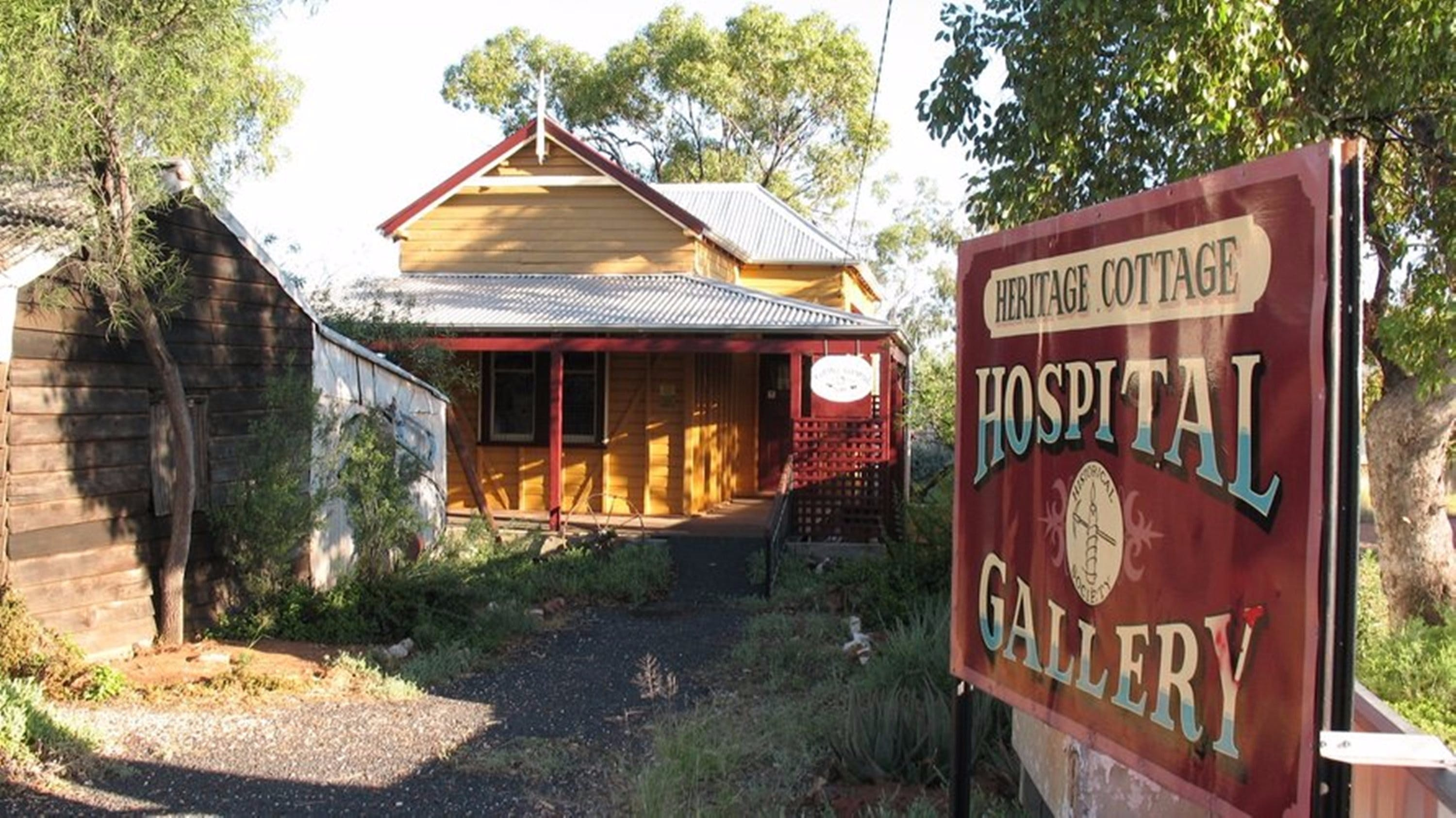 Lightning Ridge Heritage Cottage - South Australia Travel