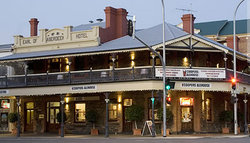 Coopers Alehouse at the Earl - South Australia Travel
