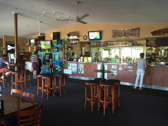 Riverview Tavern - South Australia Travel