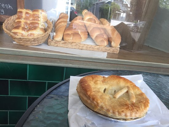 Denman Pie Shop Bakery - South Australia Travel