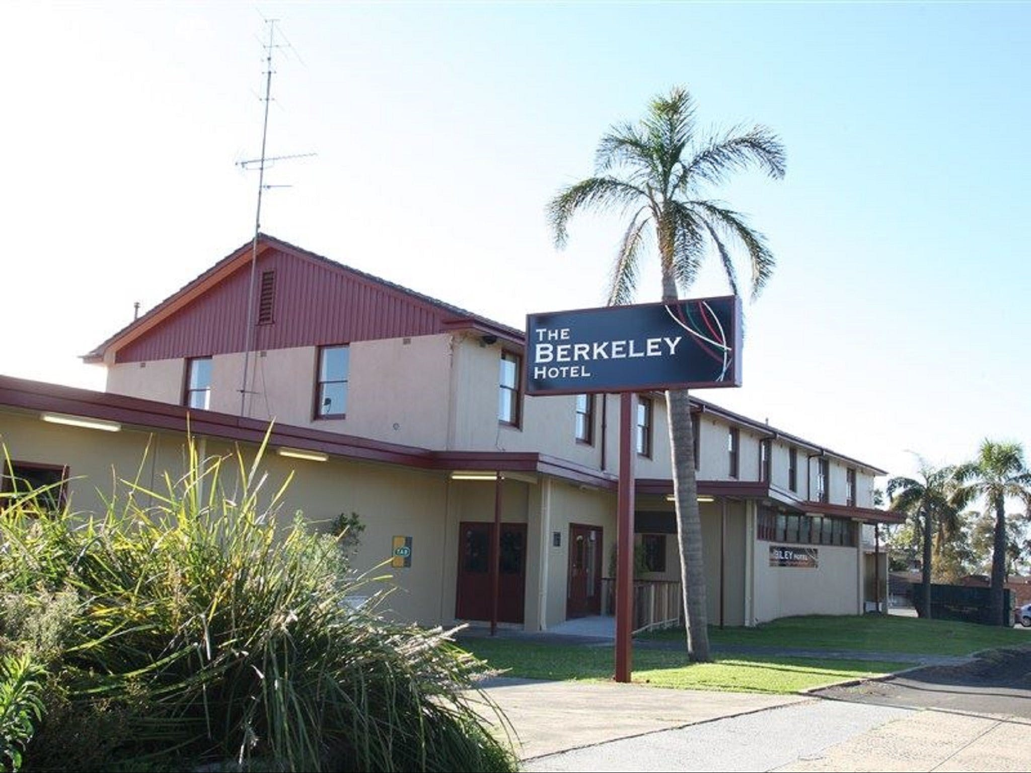 The Berkeley Hotel - South Australia Travel
