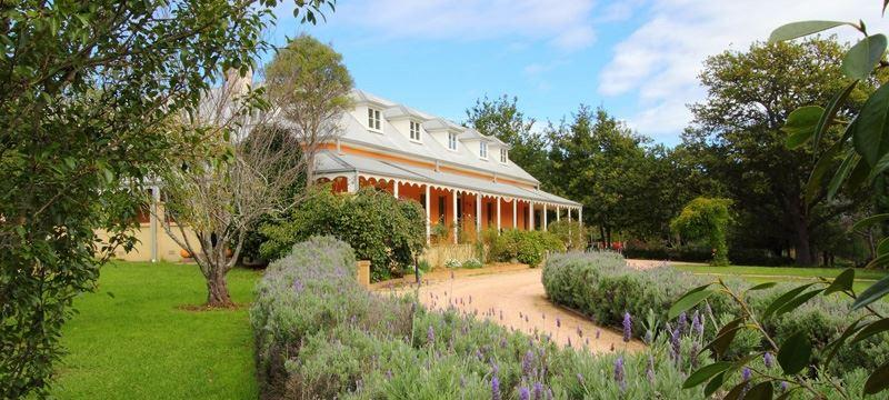 The Fitzroy Inn Dining Room - South Australia Travel