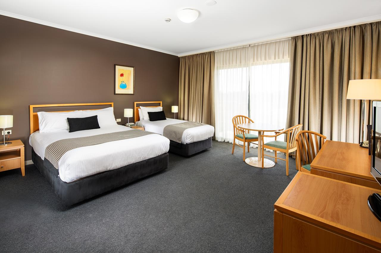 The Woden Hotel - South Australia Travel