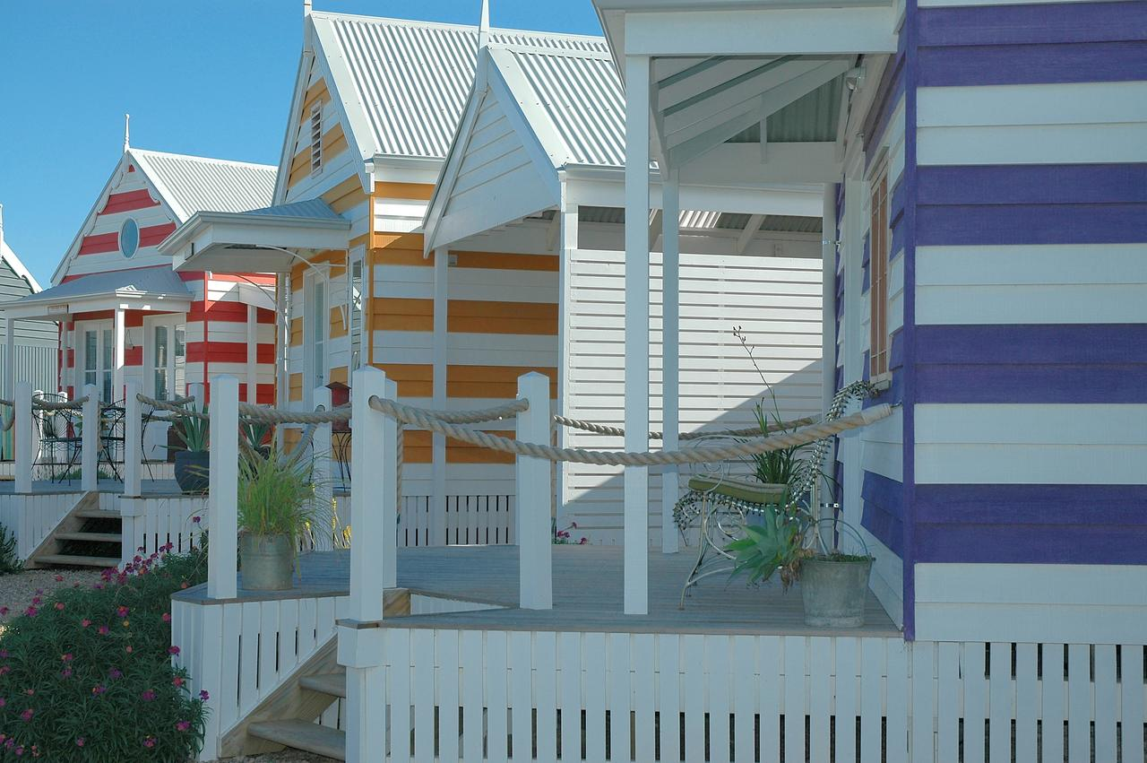 Beach Huts Middleton - South Australia Travel