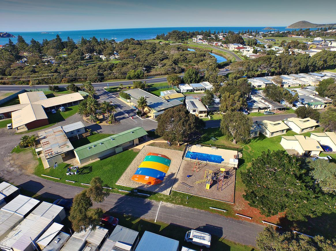 Victor Harbor Holiday  Cabin Park - South Australia Travel