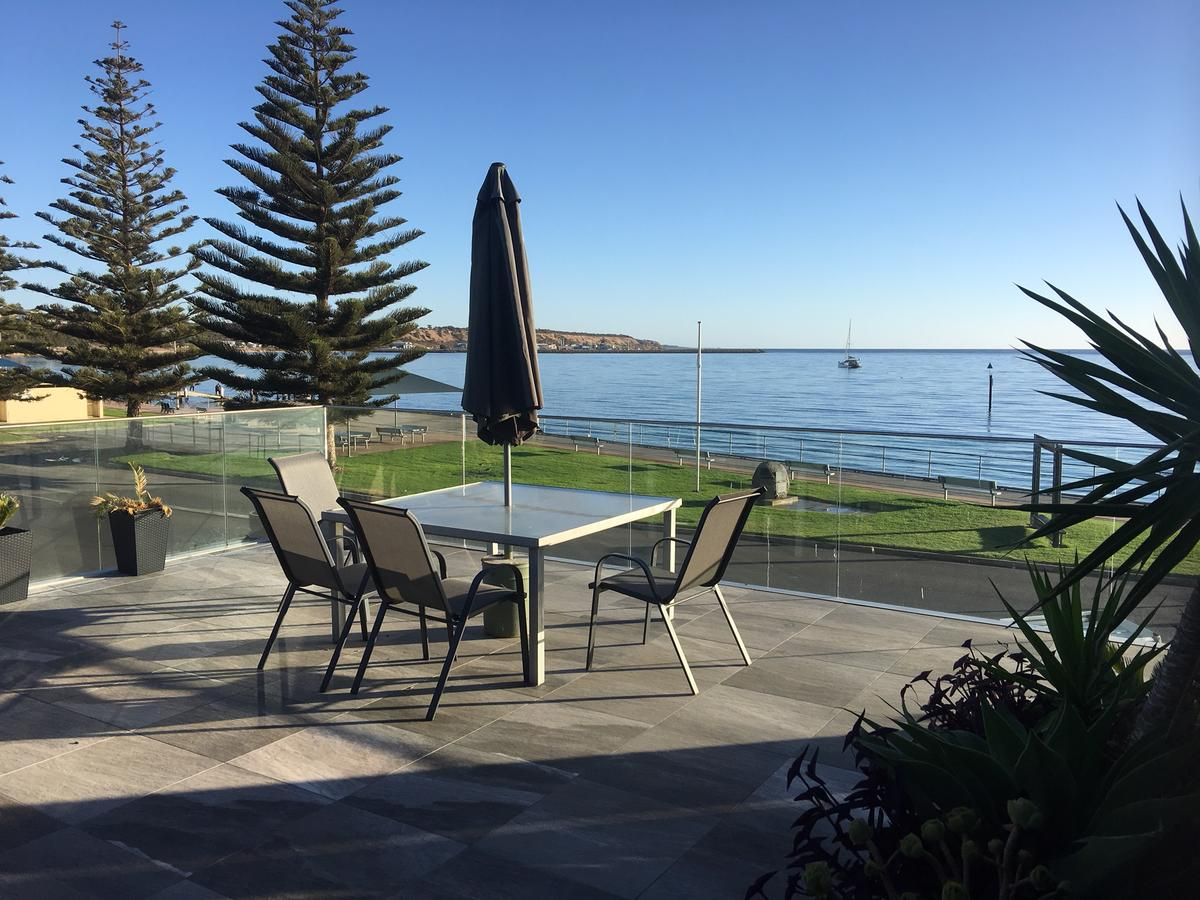 crystal blue apartment - South Australia Travel