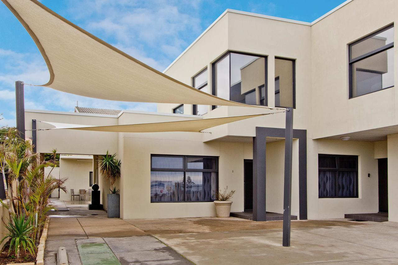 Atlantic West Beach Apartments - South Australia Travel