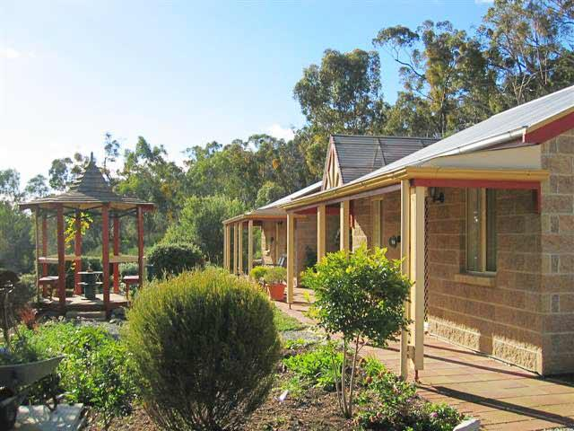 Riesling Trail  Clare Valley Cottages - South Australia Travel